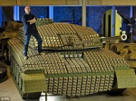 Tank Dibuat Menggunakan 5000 Kardus Telur 1